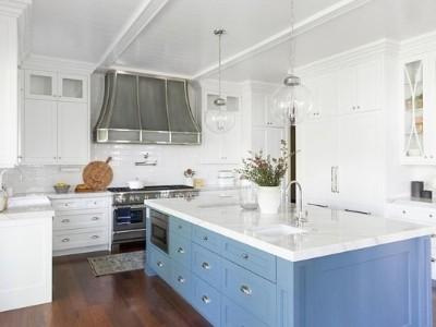 "ICYMI,""蓝色厨房岛""的想法正在流行"